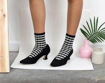 90s Black Suede Pumps/ Curved Heels / Minimalist / Vintage