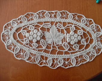 OVAL SET Hand Macrame Table Runner of  1 big ellipse  and two small ellipses  Romanian Point Lace Style Crochet Doily IVORY Floral Pattern