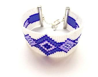 Very nice bracelet, purple & white woven miyuki beads