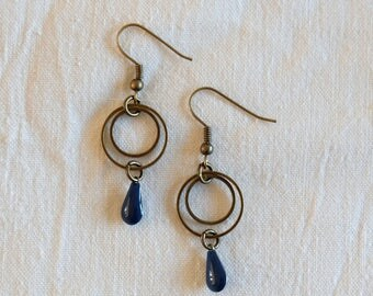 Pretty drop Earrings and two rings - Midnight Blue