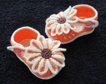 Crochet flower baby sandals,Crochet baby shoes,Crochet flower sandals, Crochet orange and cream sandals