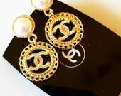 Reserve für Catherine  Elegante Gold Farbe Ohrstecker aus Knöpfe CC.Geschenk für Muttertag.
