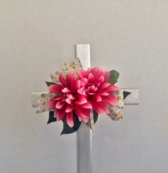 Cemetery flowers, Cemetery cross with flowers, grave decoration, memorial cross, flowered cross.