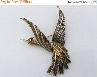 Half off ART signed Bird in flight brooch gold tone and silver tone AM67