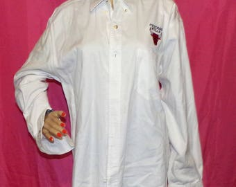 Chicago Bulls Shirt Embroidered Button Down Casual Shirt NBA Size M Low & Fast Shipping