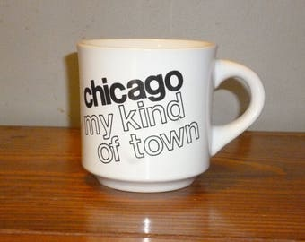 """Papel """"Chicago my kind of town"""" travel mug - black on white"""