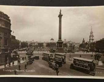 Vintage postcard - Trafalgar Square, London, UK!