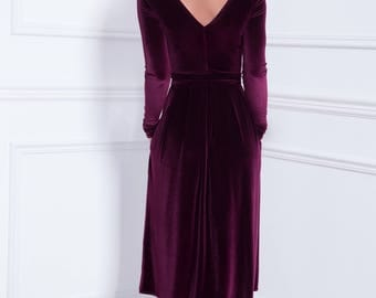 Mid-Calf Velvet Dress Dark Purple V Back Round Neckline Long Sleeves Pockets Waistband Sash