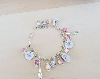Tea Charm Bracelet, Miniature Tea Set, Tea Cup Bracelet, Mini Tea Set, China Set, Tea Jewelry Gift for Her, Tea Party Jewelry, Girl Bracelet