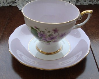 Royal Standard  Fine Bone China England - Vintage Tea Cup and Saucer - Mauve and White with Purple Violets and Gold Trim