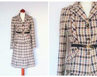 Vintage Houndstooth Tweed Bouclé Suit / Wool Blend Two Pieces Suit / Skirt & Jacket size 36