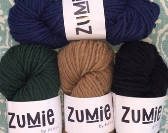 HiKoo ZUMIE Dark Green Super Bulky Yarn 13.99 +1.25ea to Ship Super Chunky Yarn BIG 200g Skein, 1-Skein Patterns on Label. MSRP 23.95