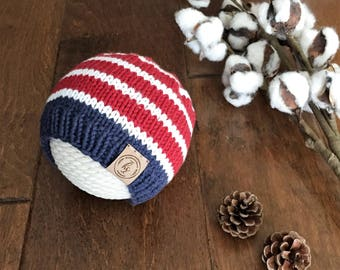 Baby Knit Hat//Patriotic Baby Beanie//Red, White, Blue Baby Hat//Newborn Beanie//Striped Baby Hat//Baby Shower Gift//Photo prop/USA baby hat