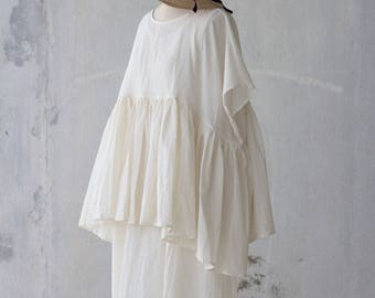 Gathered blouse in handwoven raw cotton / Oversized summer white layer top / OSFM