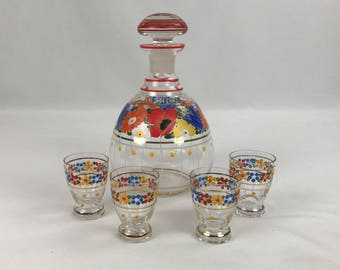 Vintage Glass Decanter Set with 4 Cordial Glasses, Floral Pattern, Glass Liqueur Decanter with Stopper and 5 Glasses, Gold Trim, Bar Set