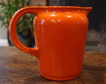 Beautiful Art Deco Vintage Red/Orange Pitcher /Universal/ Made in USA /Cambridge OH/ 1940s pitcher/ Kitschy Kitchen