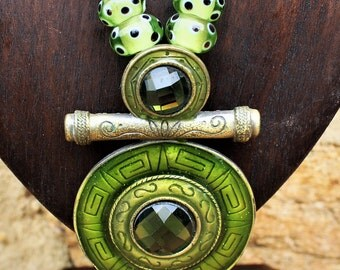 Vintage Necklace - Green Costume Jewellery.