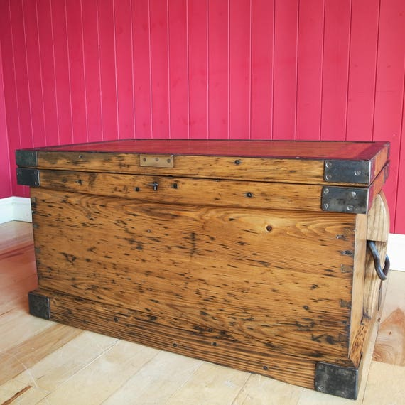 ANTIQUE INDUSTRIAL CHEST Coffee Table Rustic Wooden Storage Trunk Reclaimed Victorian Joiner's Vintage Tool Chest
