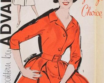 Vintage Sewing Pattern - Uncut 1950s Dress Pattern - Advance 9764