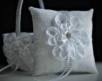 Ring Bearer Pillow, White Flower Girl Basket, White Ring Pillow, White Bearer Pillow, Flower Ring Holder, White Wedding basket for wedding