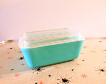 Very Hard to Find Pyrex Turquoise 502, Pyrex Turquoise Refrigerator Dish, 1.5 Pint Friggie, 1950s Aqua Blue Refrigerator Storage Dish