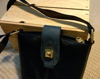 Vintage navy bucket bag gold metal decorations adjustable belt-like shoulder strap