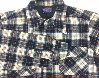 PENDLETON Men's Loop Collar Plaid Board Shirt M Medium Made in USA VTG