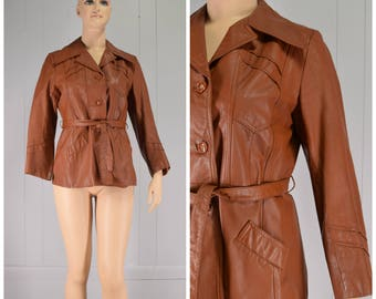 Vintage Womens 1970s Lady Gambrell Caramel Brown Belted Button Front Leather Jacket with Wide Collar | Size M/L