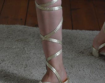 Vintage 1960s silver/gold lace up sandals