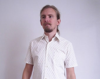 80s Short sleeve shirt Vintage Geometric print White Yellow Brown Party Shirt Casual Summer shirt Dandy Hipster Shirt medium large