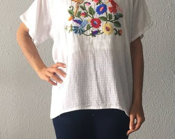 Vintage Floral and Bird Hand Embroidered Hippie Boho Bohemian White Top