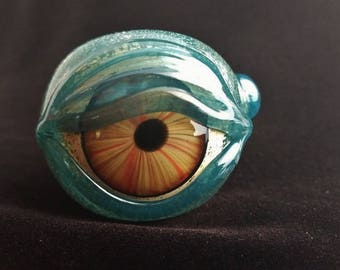 Detailed Glass Eye Pipe
