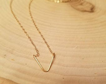 Gold delicate pendant necklace
