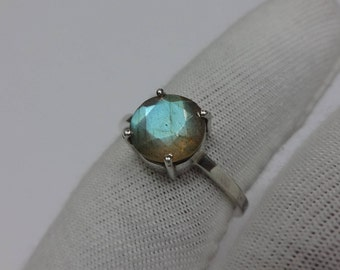 Labradorite Ring,size US-8,925 Sterling Silver Labradorite Ring,Labradorite Cut stone Ring,Square band Labradorite Ring