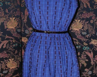 Dress in cotton blue-violet, Burgundy print - 1940