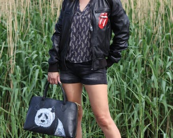 """Handbag """"Panda"""" of Italiaaans quality leather painted with permanent paint."""