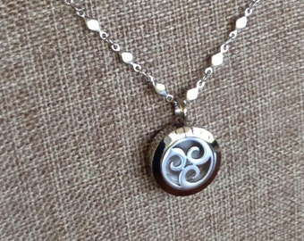 Polished Stainless Steel 20mm Aromatherapy Pendant Necklace for Essential Oils With Beautiful Chain