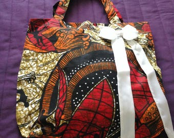 Cotton Print, Tote floral bag, with white ribbon bow.