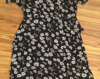 1940's plus-sized novelty print dress