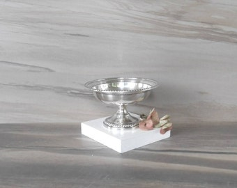 Vintage Silver Plate Pedestal small Bowl,Footed Candy or Nuts dish,Jewelry Holder,Round silver plated bowl,trinket box