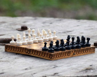 Wooden chess, Vintage chess, Chess game, Chess board and pieces, Old wooden chess, Wooden chess game, Small wooden chess, Small size