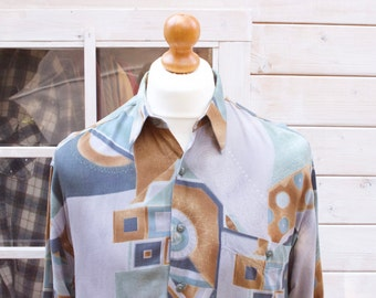 Vintage Abstract Design Long Sleeved Shirt Size - Large