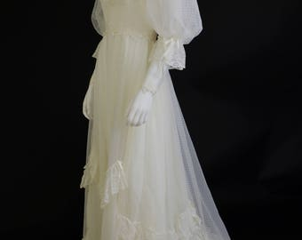 1980's Vintage Lace Alfred Angelo Wedding Dress