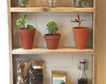 Decorative reclaimed pallet wood shelf / / recycled pallet wood Spice rack