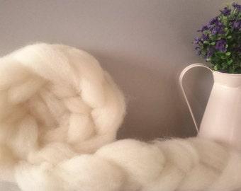 Wool Roving, Hampshire Down - 50g, un dyed roving, Natural wool roving, bleach free wool, natural wool,  spinning wool, wool batt, wool top