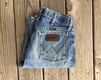 "Wrangler 30"" Medium Wash High Waist Vintage Jeans"