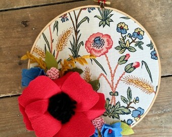 Embroidery Hoop, Hoop Art, Hanging Decoration, Floral, Flowers, Country Decor, Home Decor, Poppy, Felt Flowers, Farmhouse Decor