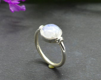 Natural Rainbow Moonstone Round Gemstone Ring 925 Sterling Silver R680