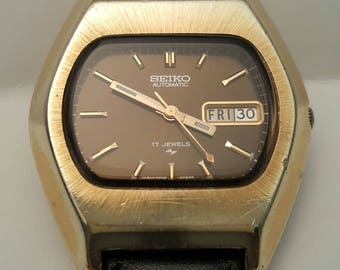 Vintage SEIKO AUTOMATIC model 7006-5069 TV style case, great condition---------Serviced--------