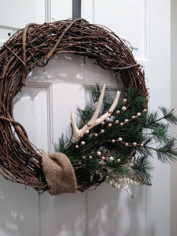 Antler christmas wreath deer antler holiday wreath rustic for Antler christmas wreath